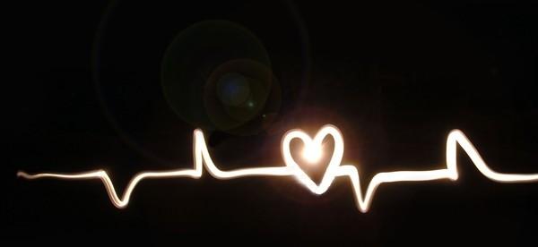 сердце на кардиограмме